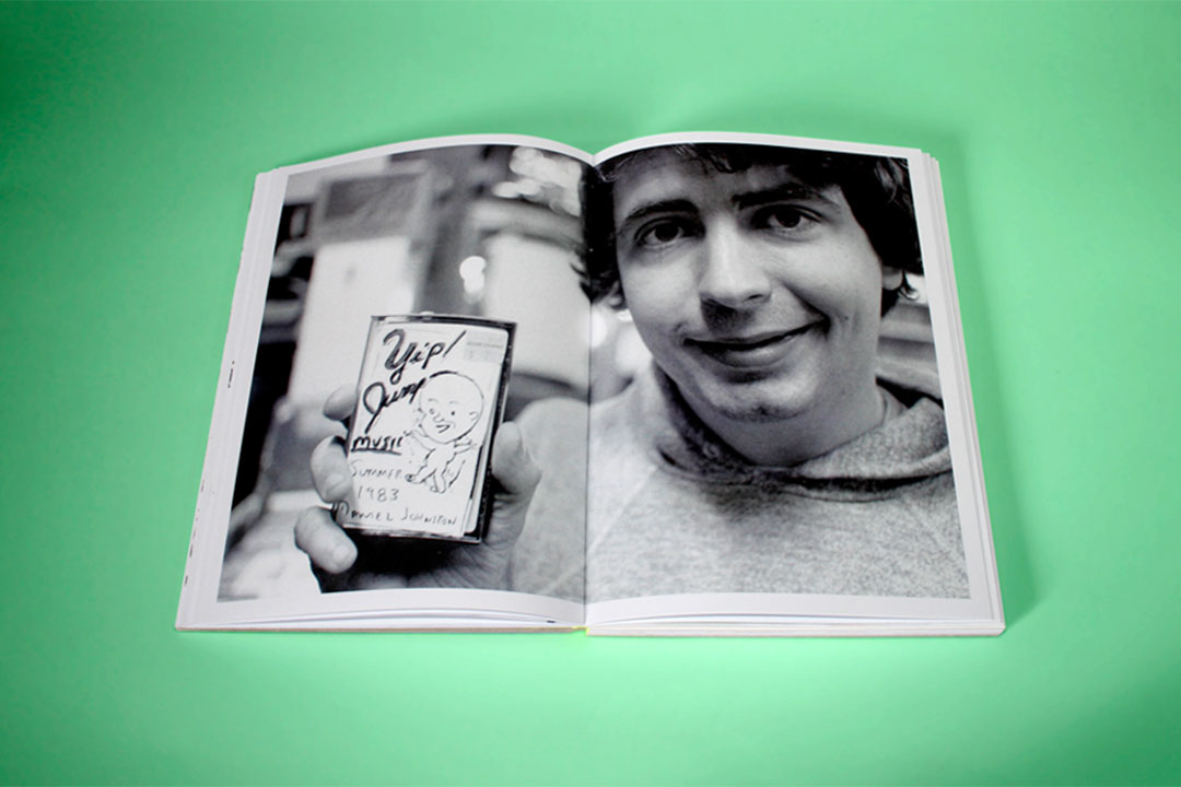 Hi, How are you? Libro sobre Daniel Johnston, que se ha convertido en una figura de culto reivindicada por lo más granado de la escena rock alternativa.